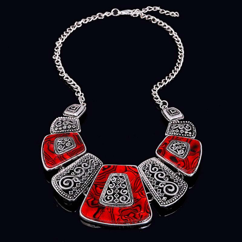"Collier plastron femme ""Red africa"""